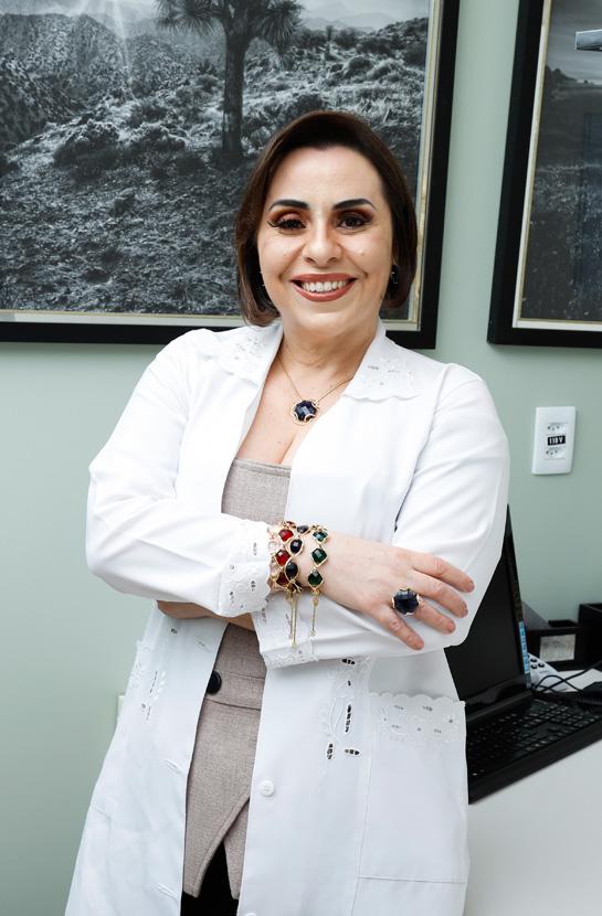 Dra. Helena Cristina S. e Silveira